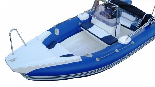 Лодка Скейбот