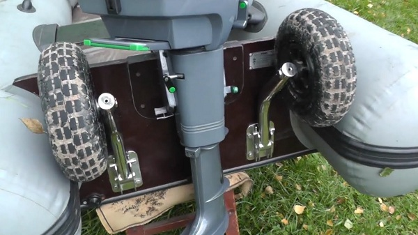 из чего сделать колеса для лодки пвх