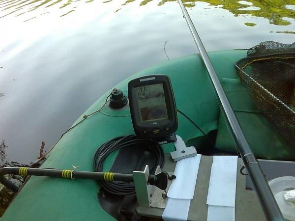 недорогой эхолот для лодки пвх